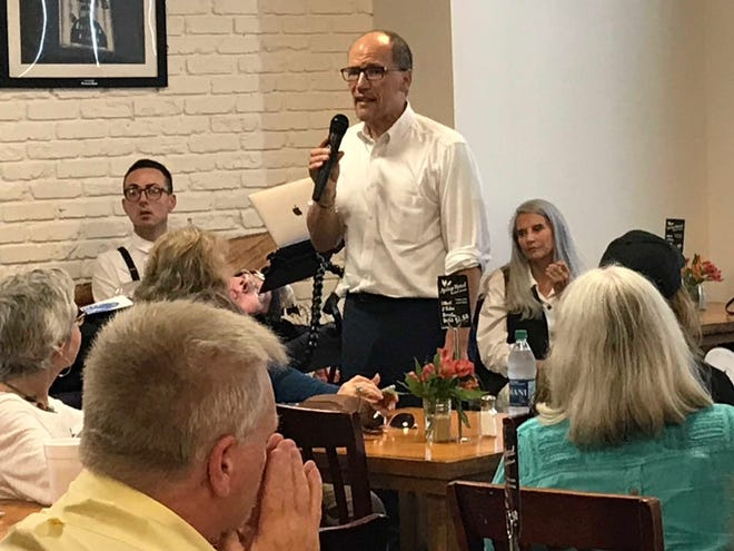 DNC Chair Tom Perez explains the Democratic Party 2020 campaign strategy to  a group Tuesday at Earley's Restaurant.