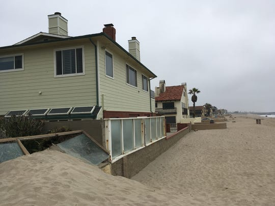 Looking from the beach toward Norwich Lane, sand builds up. The property owner at the end of Norwich pays to have the city of Ventura clear the sand in front of his property, but the one at the end of Brunswick Lane does not. Whether a property does or doesn't is related a settlement agreement reached between the city and property owners in 2011.