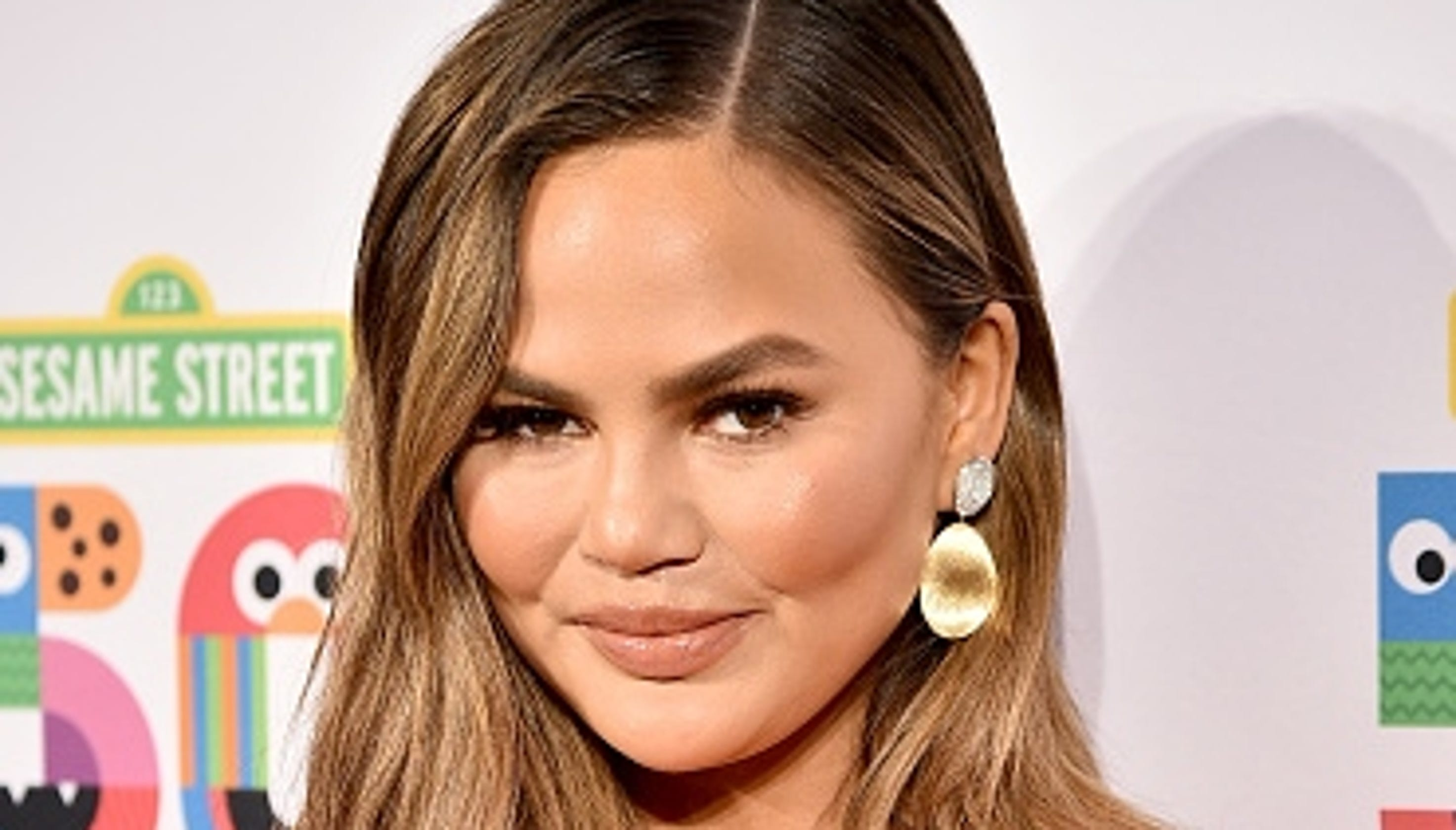 Chrissy Teigen's response to critic of Luna's hair reminds us to not mess with mama bear
