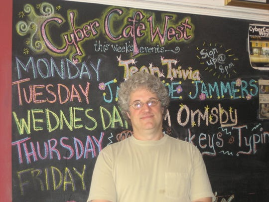 Cyber Cafe West owner Jeff Kahn, pictured in 2007.