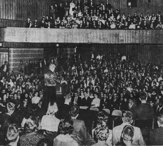 A huge crowd piled into the Harpur College auditorium to hear Eleanor Roosevelt in 1962.