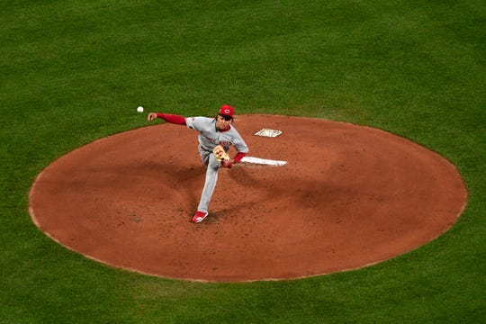 Jun 4, 2019; St. Louis, MO, USA; Cincinnati Reds starting pitcher Luis Castillo (58) pitches during the first inning against the St. Louis Cardinals at Busch Stadium. Mandatory Credit: Jeff Curry-USA TODAY Sports