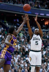 Cassius Winston shot 39.8 percent on 3-pointers last season.