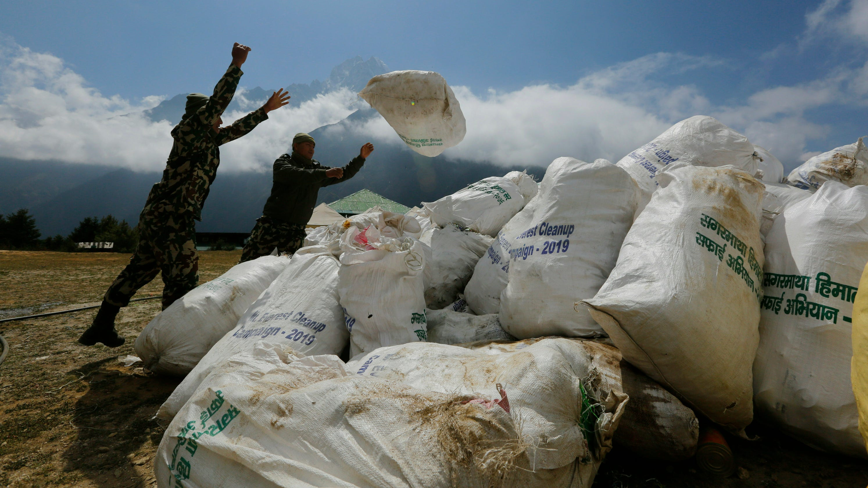 Mount Everest Cleanup Drive Yields Garbage, Bodies
