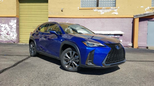 The $40K Lexus UX 250h F Sport SUV brings the luxe brand into the hot hatch market.