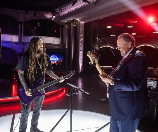 Brian Welch performs with Mike Huckabee on TBN's 'Huckabee'