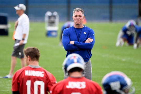 New York Giants head coach Pat Shurmur watches over team stretches on Day 2 of Giants minicamp on Tuesday, June 4, 2019, in East Rutherford.
