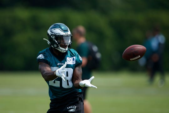 Eagles' Wendell Smallwood in action during organized team activities at the team's practice facility, Wednesday, June 5.