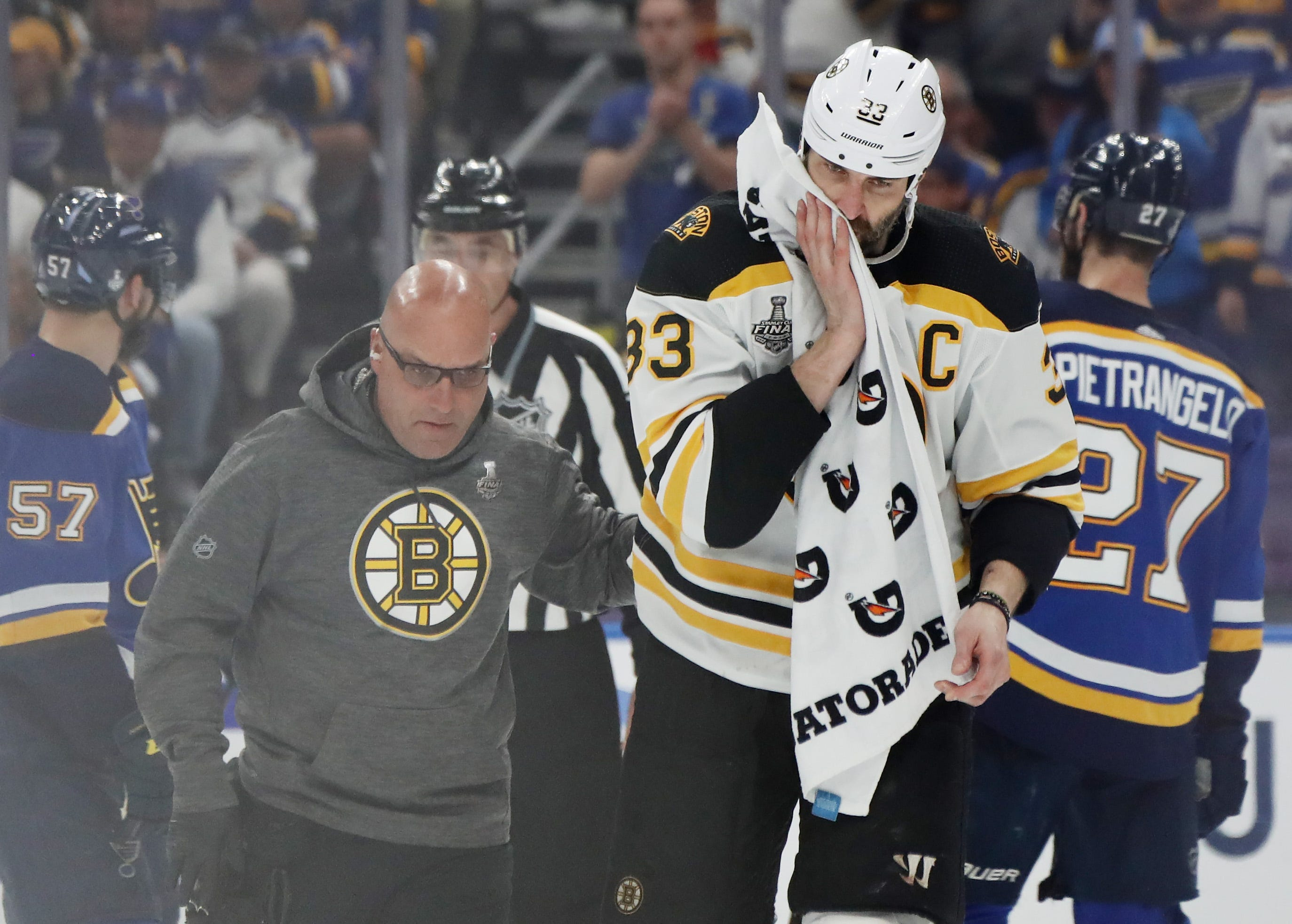 Zdeno Chara's status remains a mystery, but Bruins don't seem worried