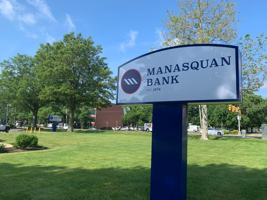 Manasquan Bank is moving into a former Sun National Bank branch in Shrewsbury.