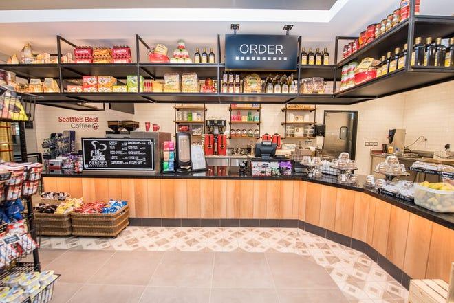 Insider Cantoro Italian Market Trattoria at Detroit Metro Airport