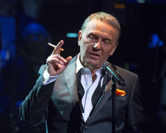 Bob Anderson as Frank Sinatra at the Fox Theatre on June 15