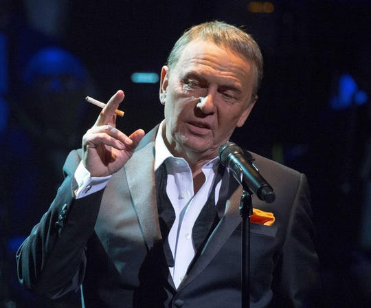 Bob Anderson as Frank Sinatra at the Fox Theatre on June 15.