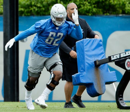newest a6ac6 cc9f6 The Lions' fault': Nate Burleson backs Calvin Johnson in ...