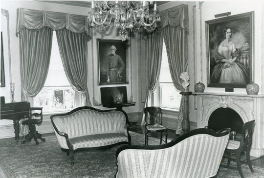 A sitting room inside the Bleak House, July 1978.