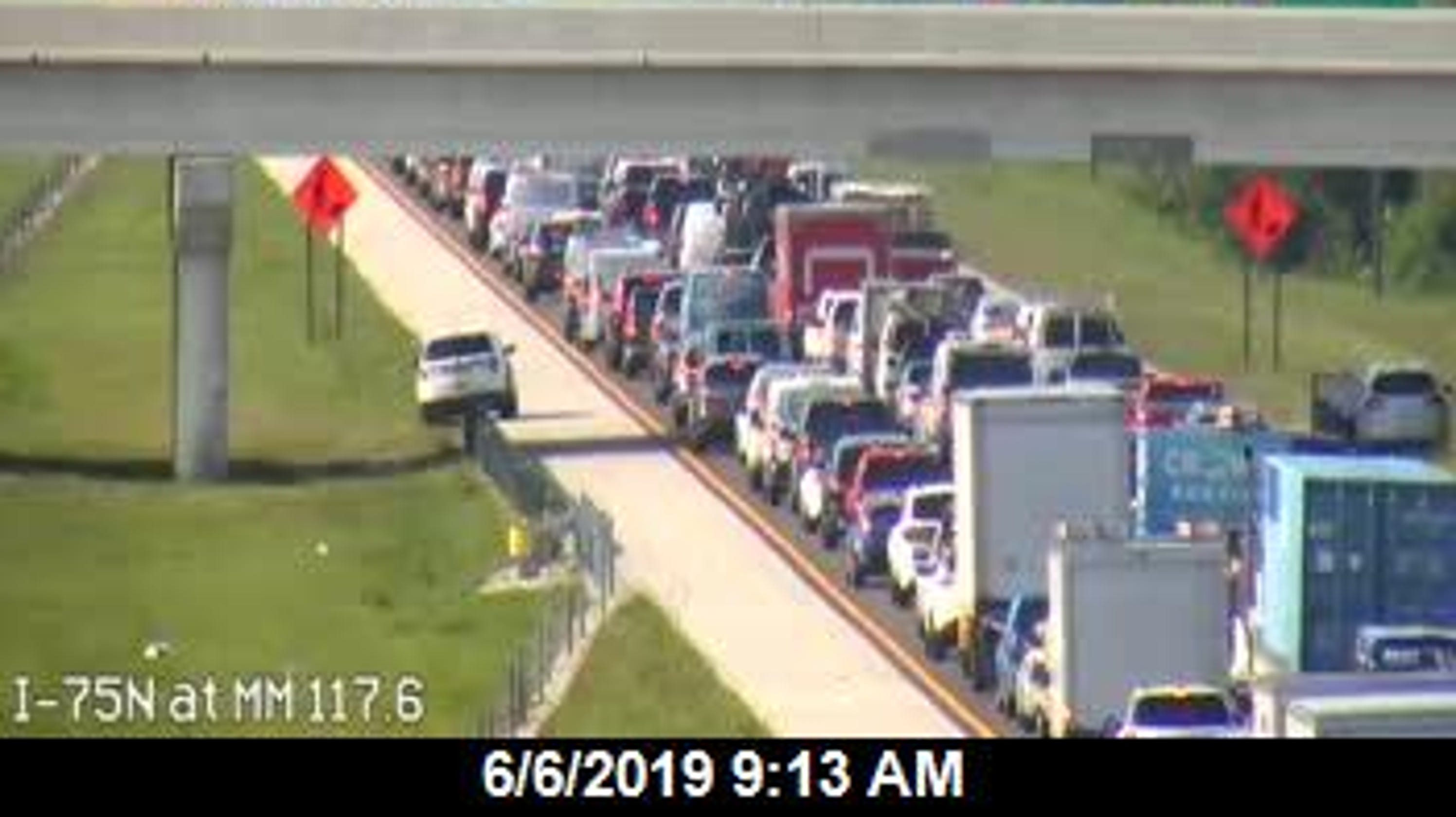 I-75 lanes reopen after early morning crash caused by black bear