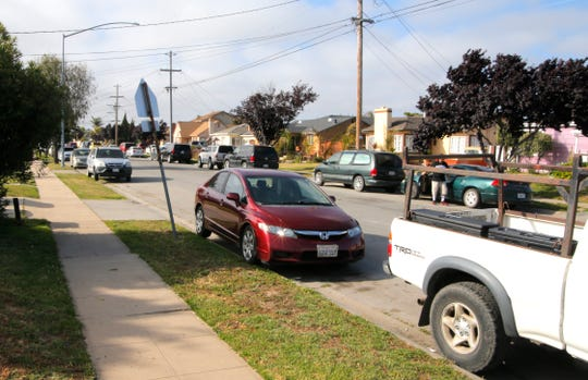 Cars pack each side of Eucalyptus Street in the early evening of June 5, 2019. There is one available spot because Dale Aliano had parked his pickup there – he was waiting for an open spot in front of his home. About 10 minutes after the Californian reporter arrived, the spot was taken.