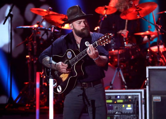 """Zac Brown performs """"Someone I Used To Know"""" at the CMT Music Awards."""