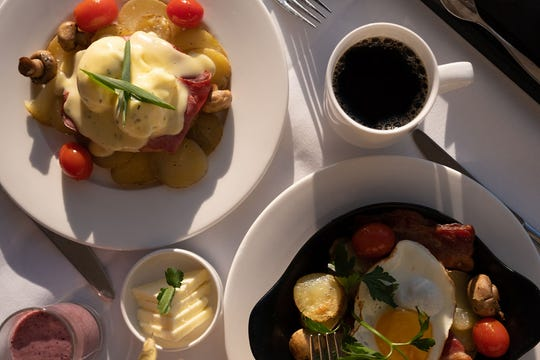 Gourmet breakfasts, lunches and snacks are served onboard Rocky Mountaineer.