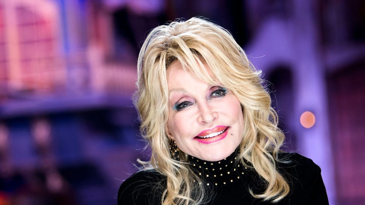 Dolly Parton gets her own Hallmark Christmas movie, 'Christmas at Dollywood'