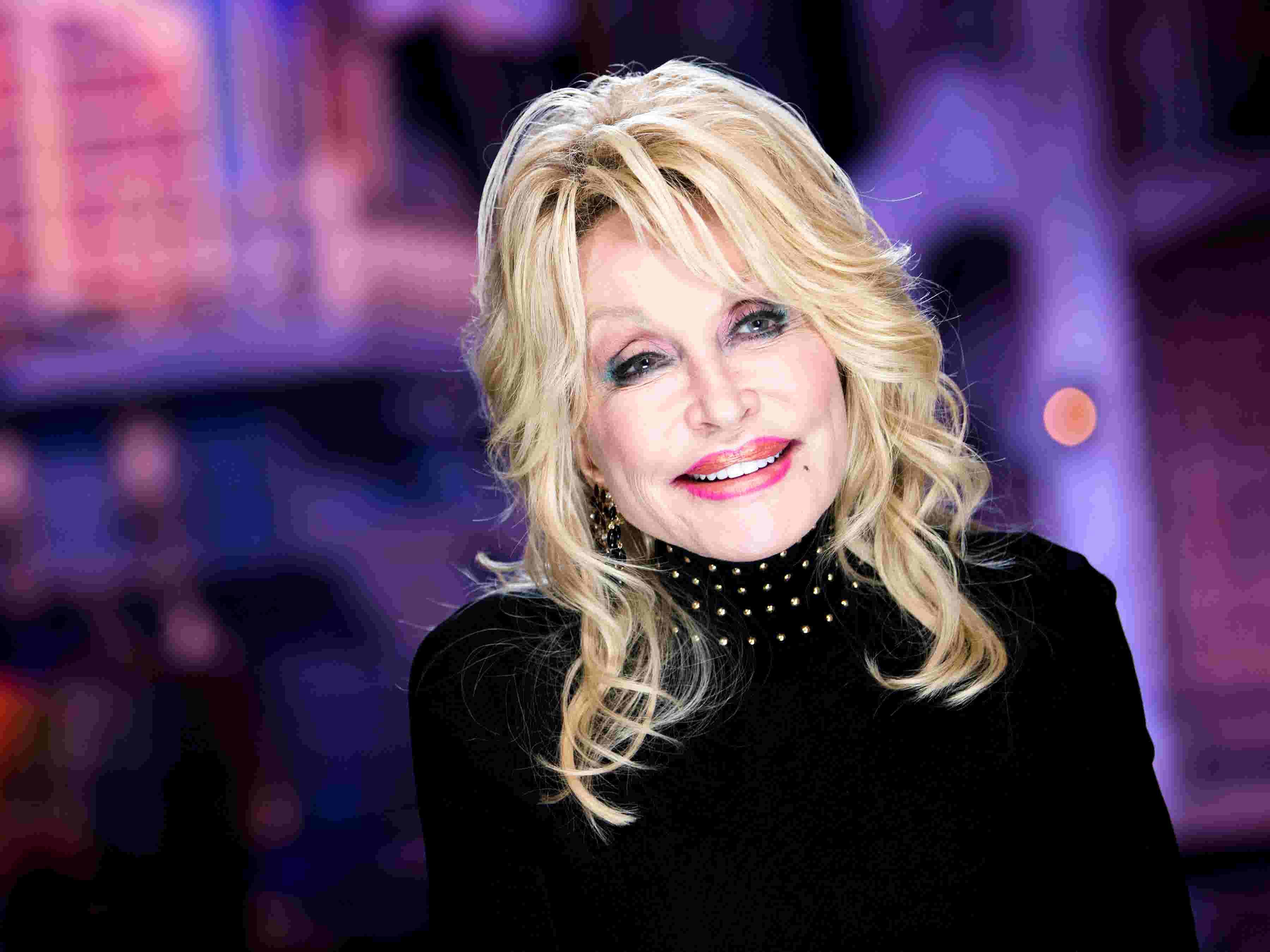 Dolly Parton to talk God, suicide, politics in new podcast, 'Dolly Parton's America'