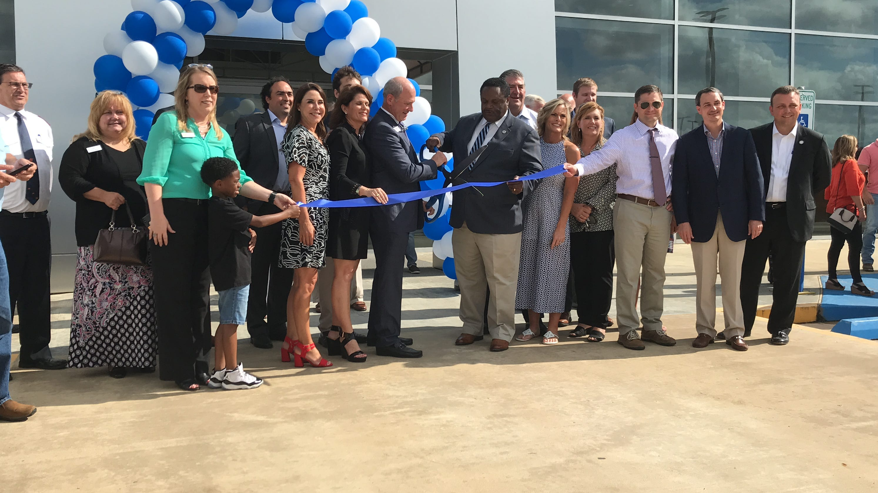 Hixson Ford Monroe >> Banner Ford Celebrates Grand Opening At Former Hixson Dealership