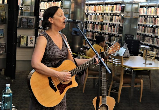 Jill Cohn kicks off the new season for the Farmington Public LIbrary's Cottonwood Concert Series on Friday.