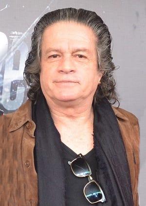 Alejandro Camacho está muy orgulloso de trabajar con su único hijo, en un nuevo proyecto de televisión.