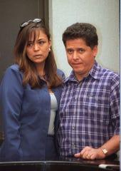Mario Bezares (der.) fue señalado como uno de los sospechosos de orquestar el asesinato, pero fue absuelto.