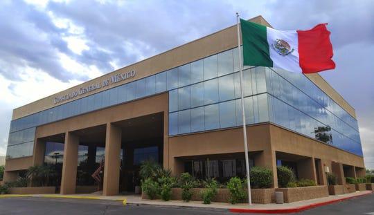 Fachada del Consulado General de México en Phoenix.