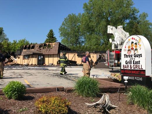 Elkhart Lake Fire Crews Battle Blaze At Three Guys A Grill