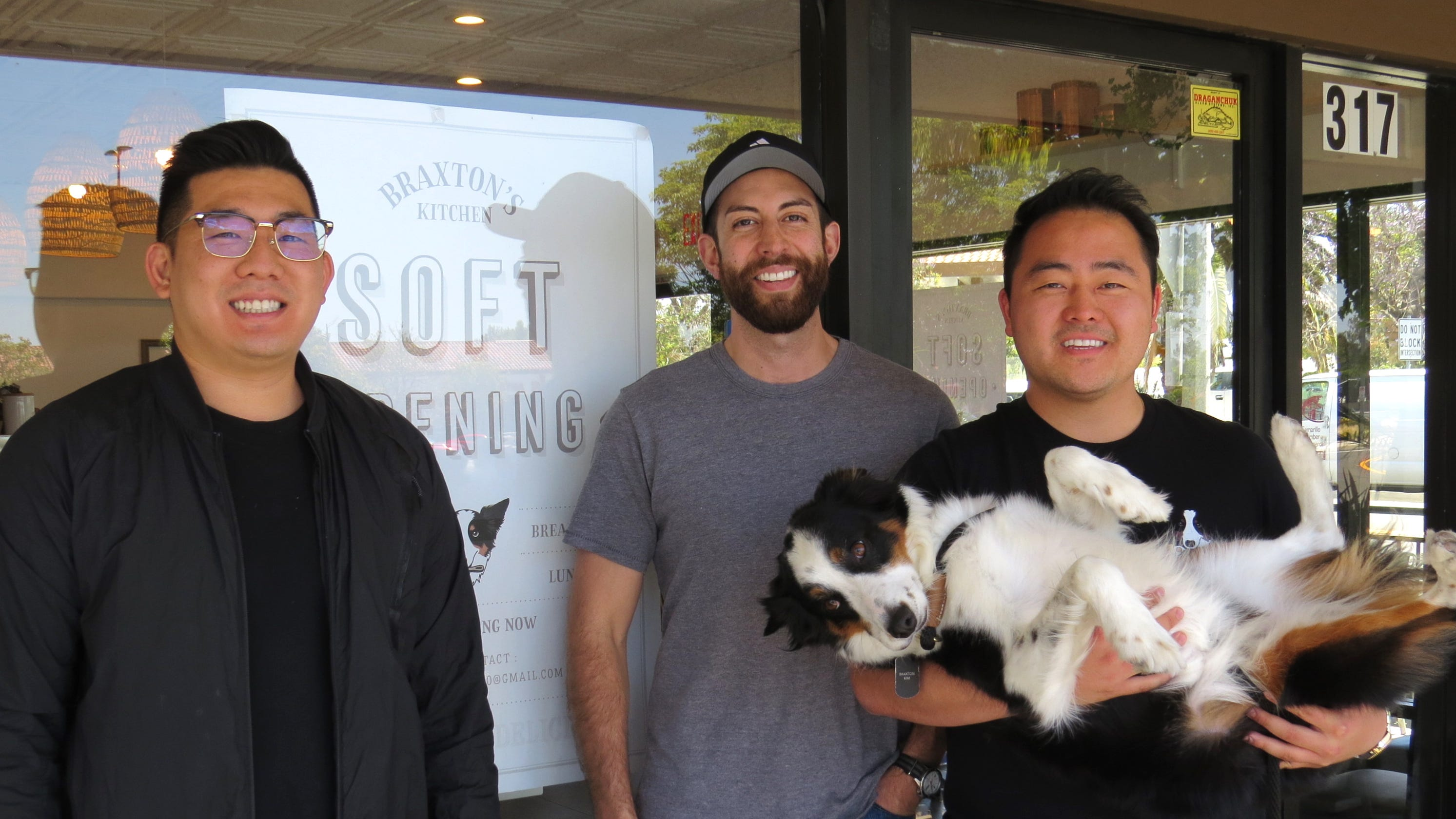 Braxton's Kitchen welcomes dogs to eat with owners in Camarillo