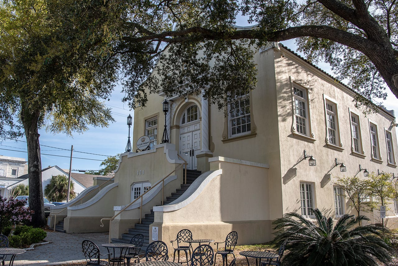 Le Cafe Beignet is a casual eatery featuring New Orleans-inspired dishes in the ornate former Biloxi Public Library, a stone's throw from U.S. Highway 90 along the coast. The cafe is open daily for breakfast and lunch.