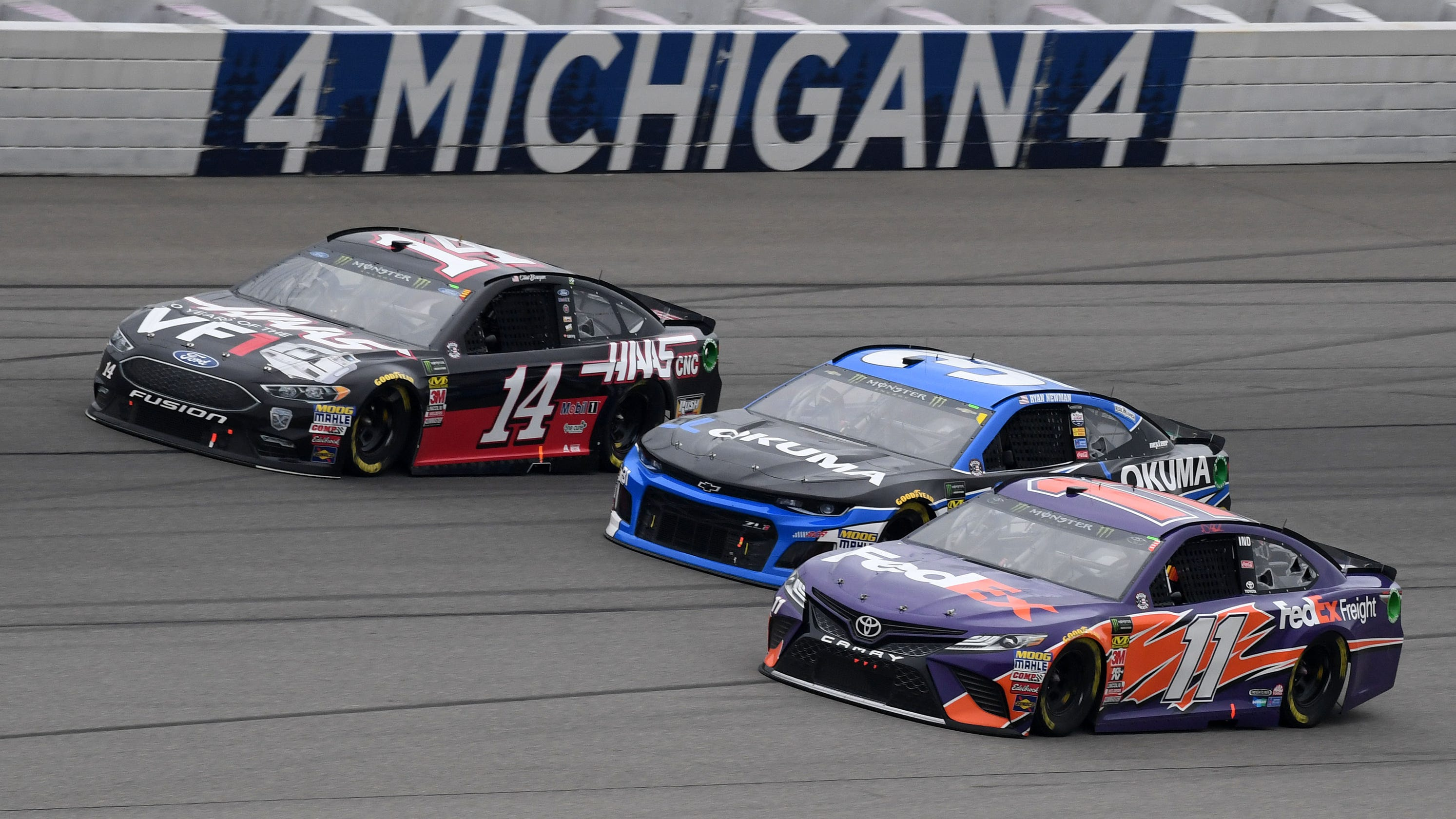 What time does the 2019 NASCAR Cup race at Michigan start