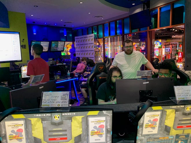 Gamers took to the GameWorks Cincinnati-Newport on the Levee eSports Lounge to compete for a spot in the Grand Finals