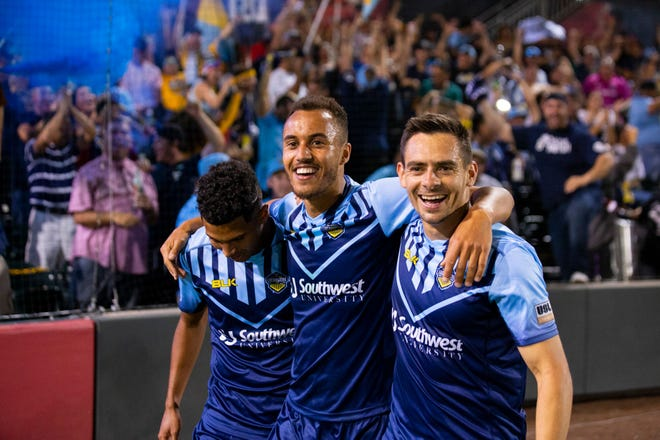 Jerome Kiesewetter, center, leads El Paso Locomotive FC to a home win.
