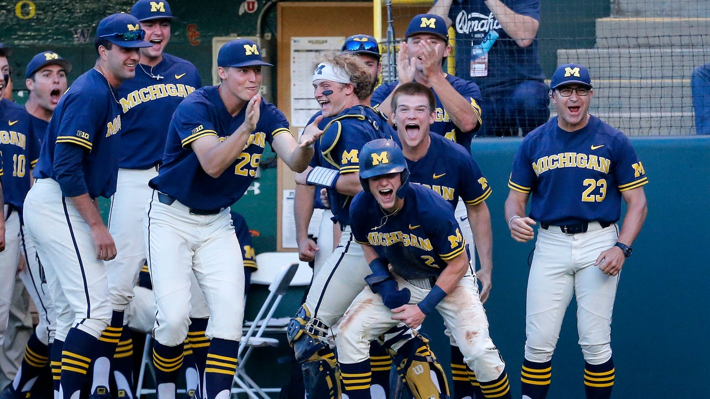 brand new 9659e 8d4e8 Michigan baseball tops UCLA, 4-2, advances to College World ...
