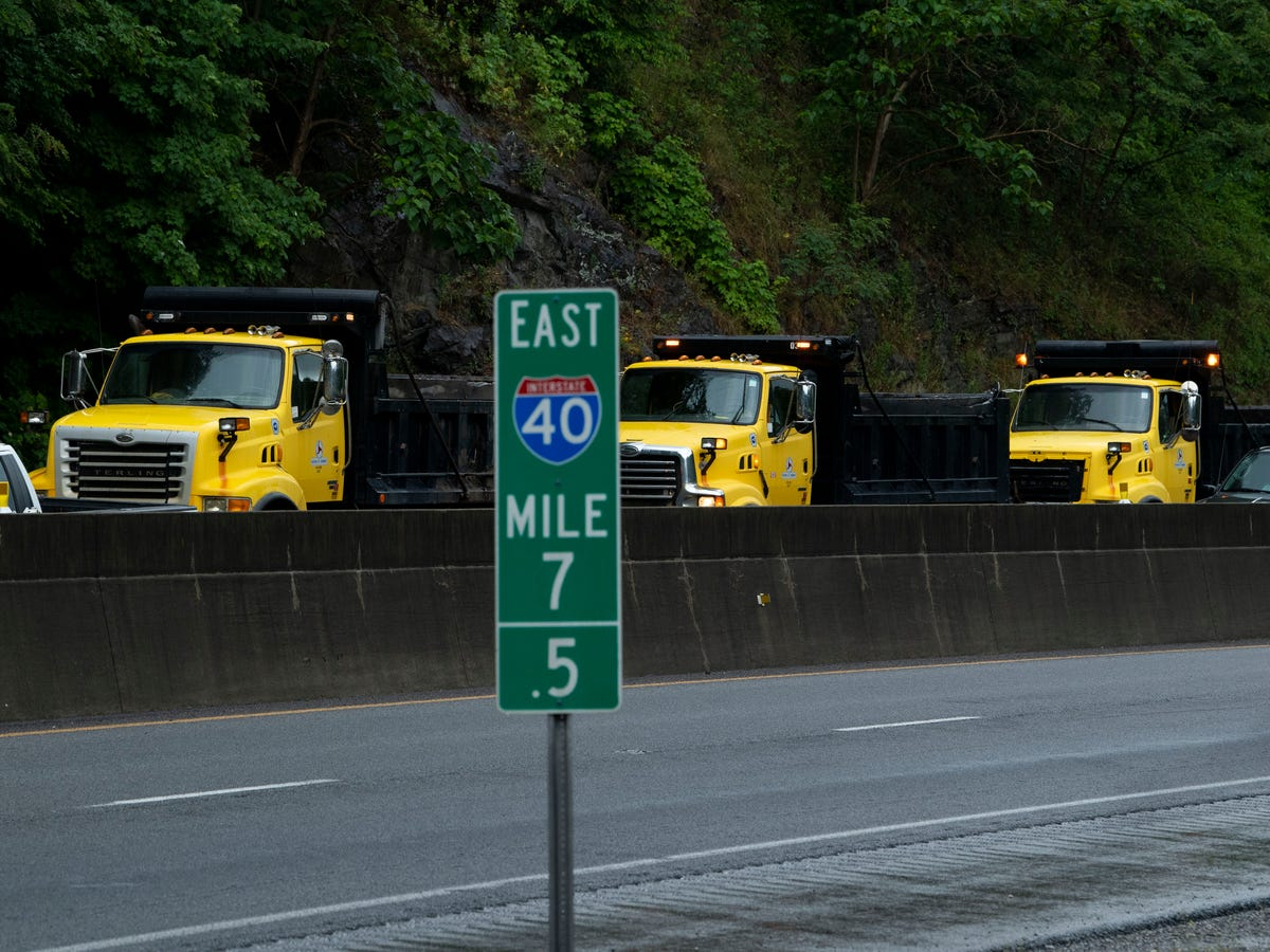 I-40 reopens after rockslide at Tennessee line