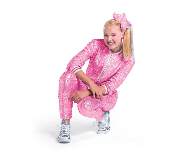 JoJo Siwa is coming to Milwaukee for her D.R.E.A.M. tour.