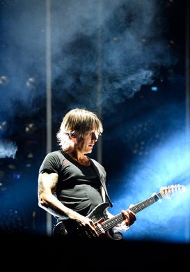 Keith Urban geeks out with Nicole Kidman at Nashville Iron Maiden show