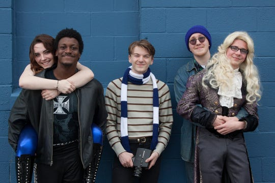 "Kendall O'Keefe, Joseph Fagan, Drew Dillon, Jonah Unger and Jacob McLain rehearse a scene in production of ""Rent."""