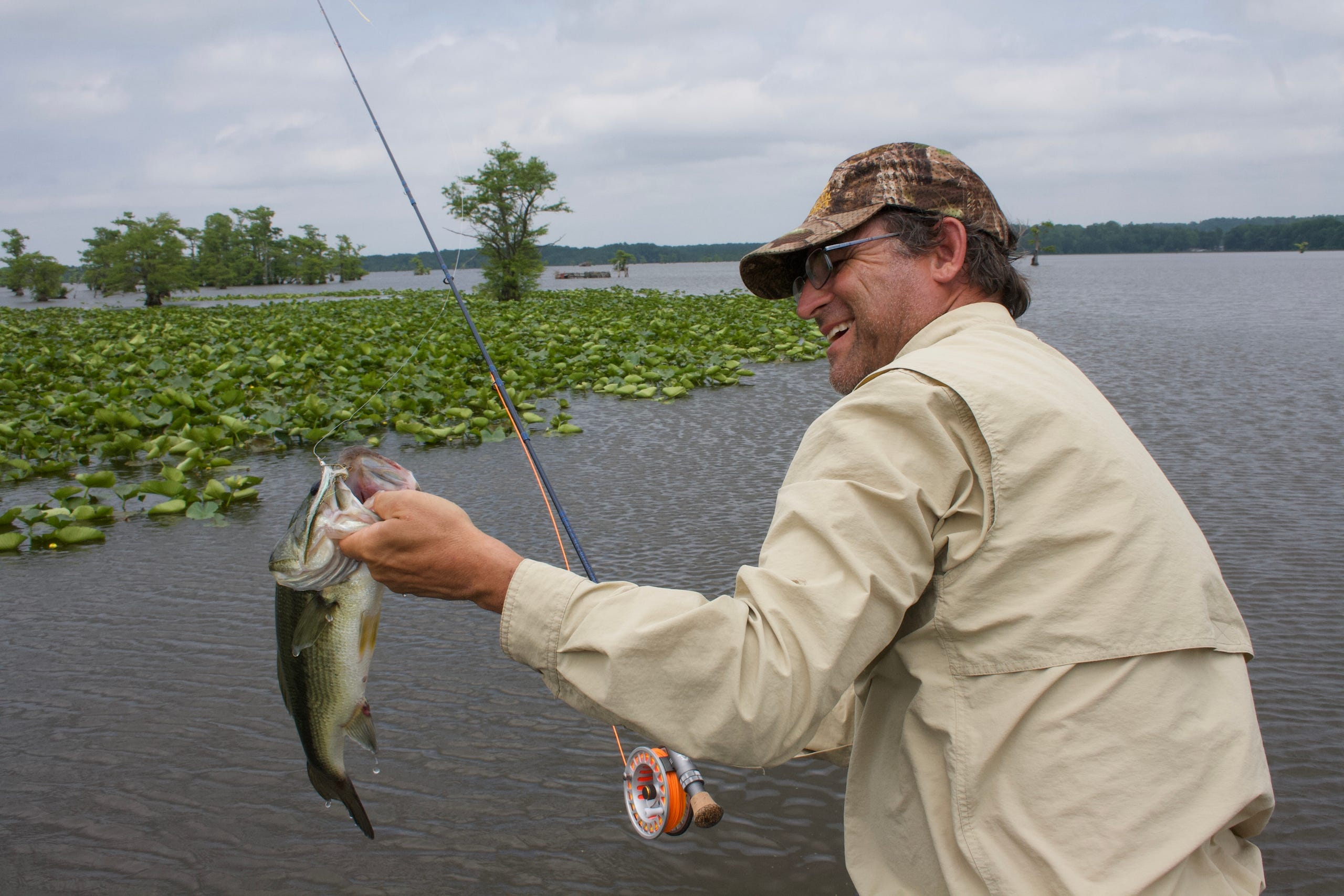 Bass fishing on the fly: Anglers in action
