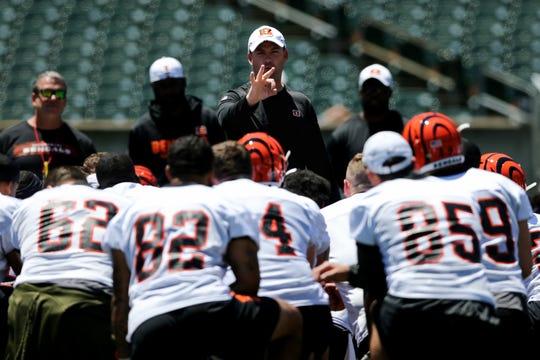 Cincinnati Bengals head coach Zac Taylor addresses the team during minicamp practice, Tuesday, June 11, 2019, at Paul Brown Stadium in Cincinnati.