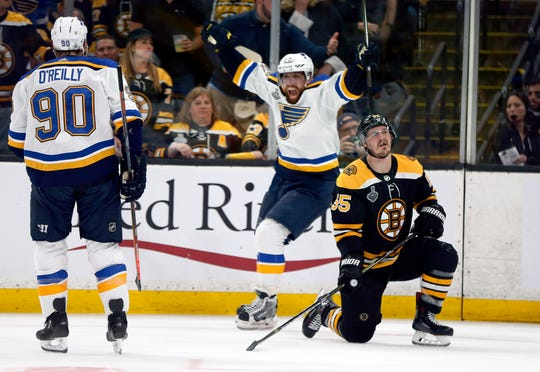 David Perron, center, and the St. Louis Blues have won twice on the Bruins' home ice heading into Game 7 of the Stanley Cup Final.