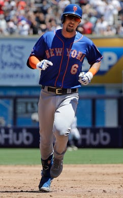 New York Mets' Jeff McNeil (6) runs the bases after hitting a three-run home run against the New York Yankees during the third inning in the first baseball game of a doubleheader, Tuesday, June 11, 2019, in New York. (AP Photo/Frank Franklin II)