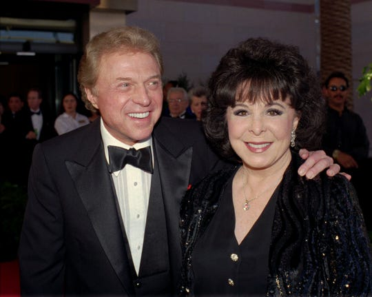 Steve Lawrence and Eydie Gorme in May 1998 at a gala honoring Frank Sinatra  in Las Vegas.