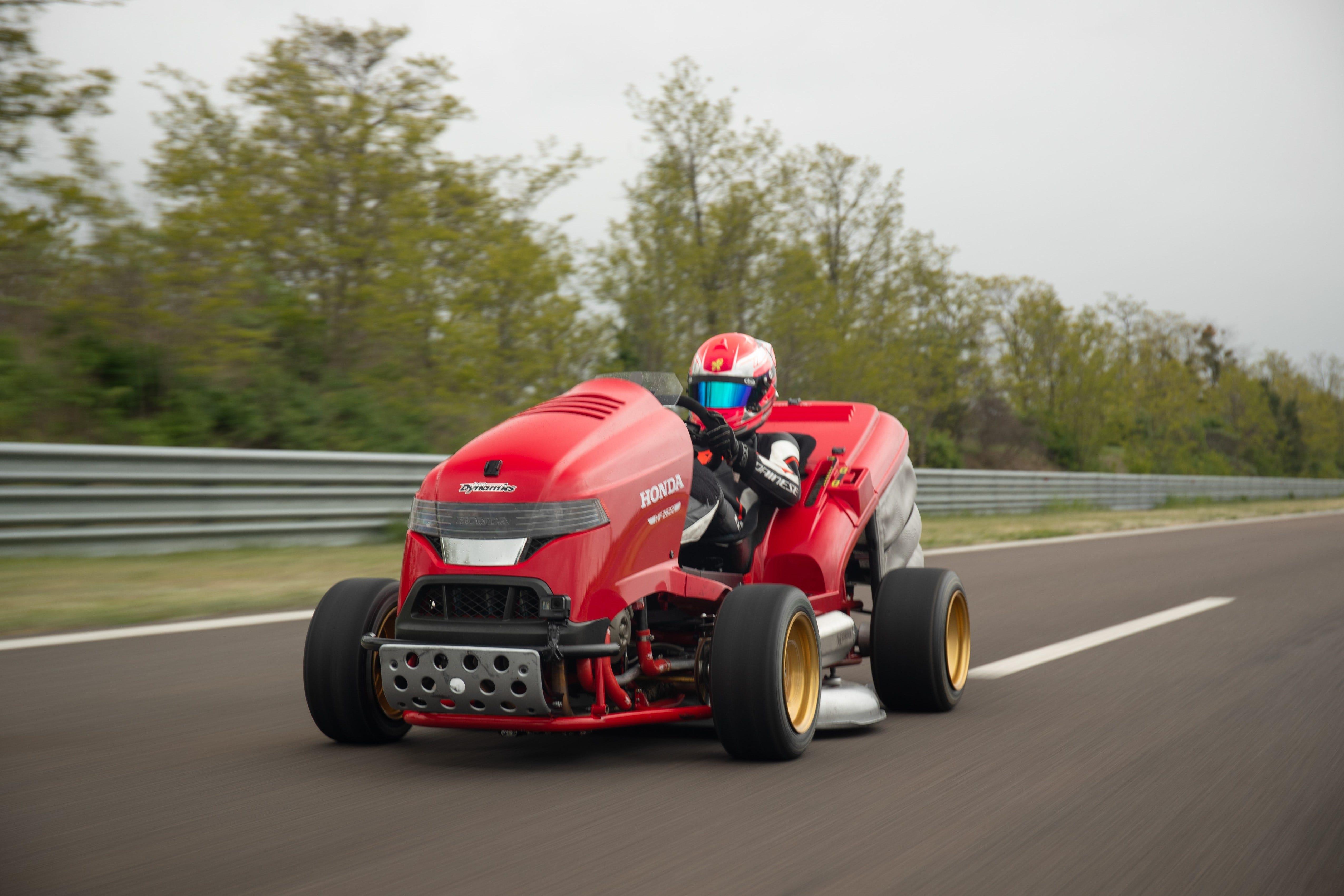 Honda S Fastest Lawnmower Breaks World Record For Speed