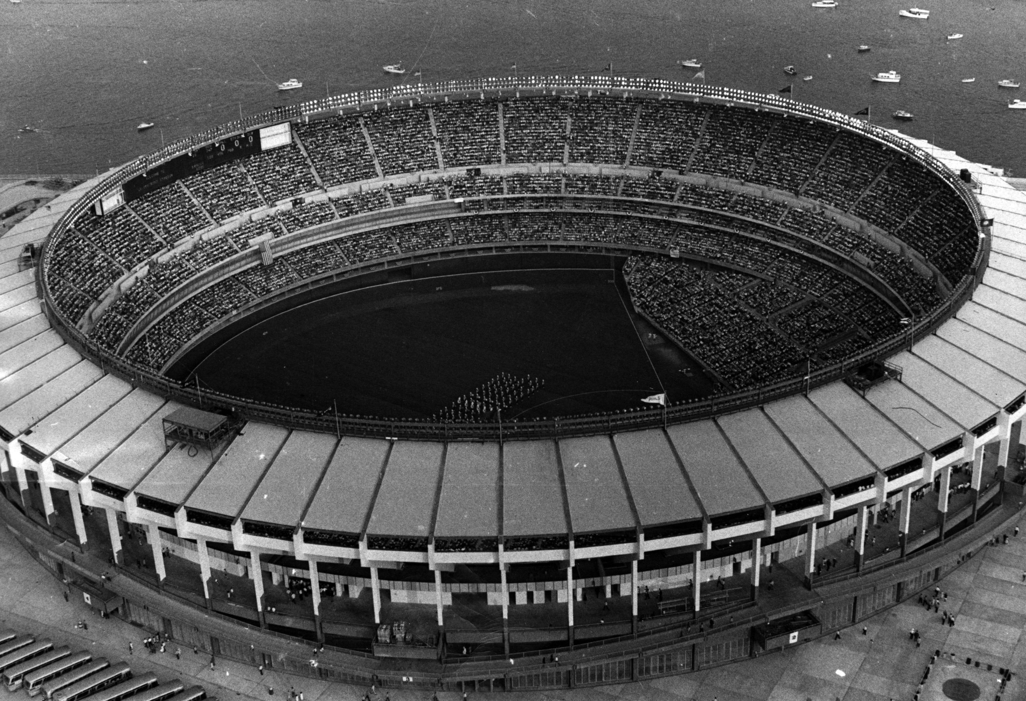 Cincinnatis Riverfront Stadium opened mid-season