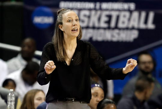 Lindsay Gottlieb went 179-89 at Cal and led the school to its first Final Four in 2013.