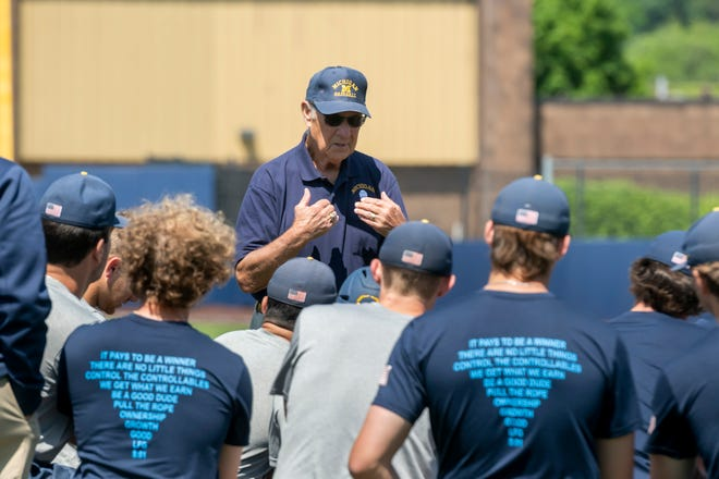 Bill Mogk, captain and first baseman of the 1953 team that that won the national championship, talks to the Michigan baseball team Wednesday.